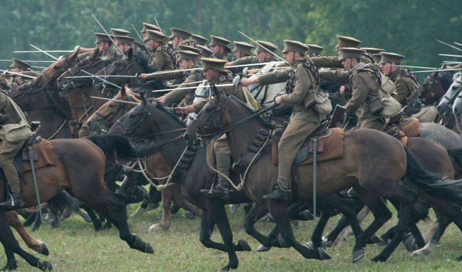 war-horse-movie-image-calvary-charge