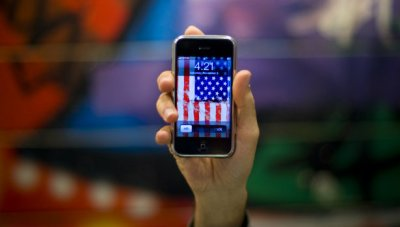 615_Apple_iPhone_Flag_Apple_Reuters