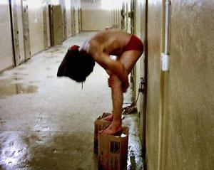 Iraqis_tortured_wp-f300