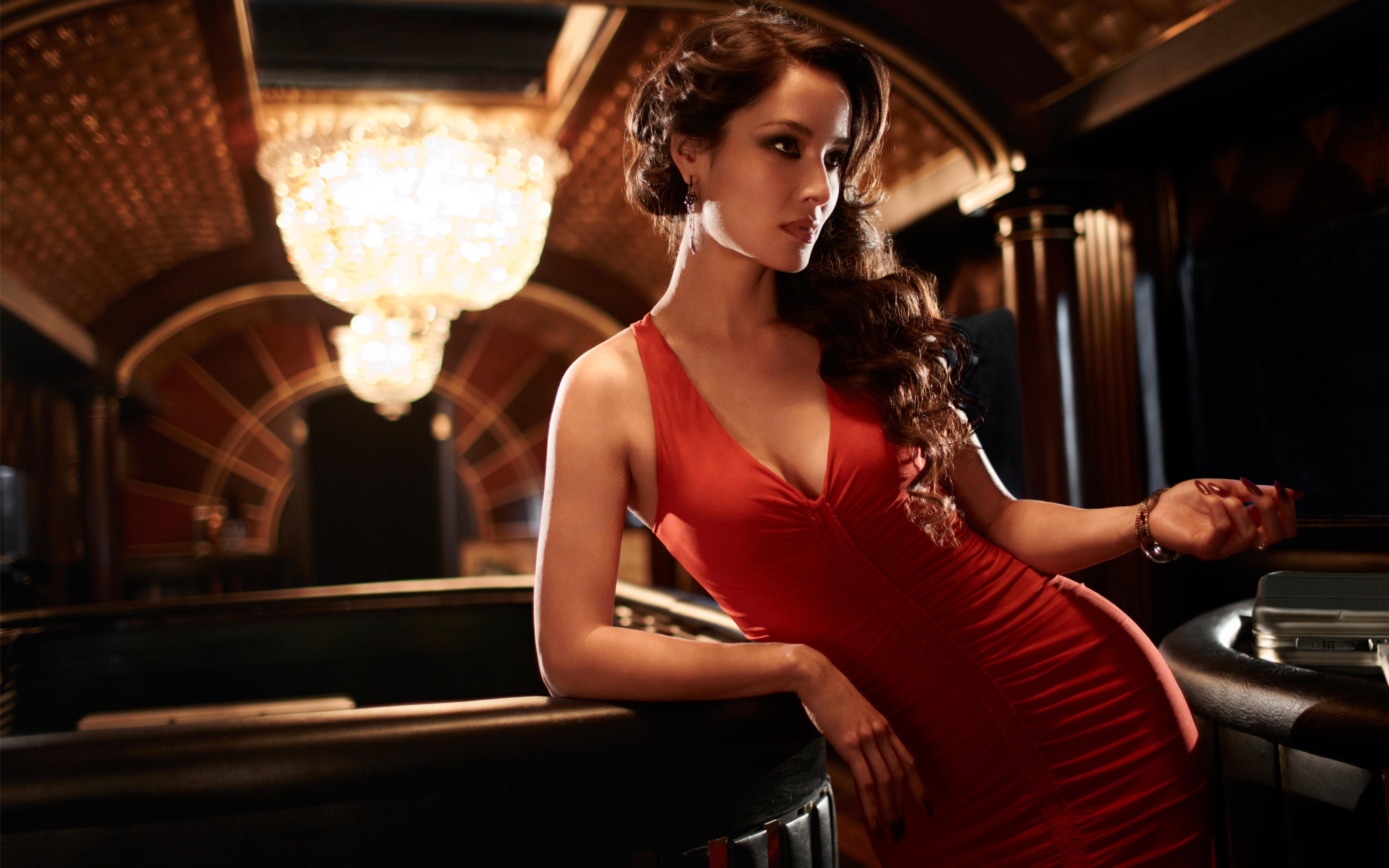 Lady Eva Peine