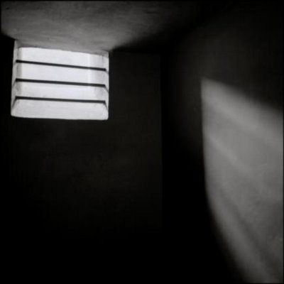 solitary_confinement_cell_auschwitz_13