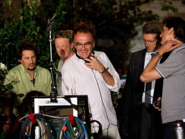 Danny-Boyle-and-Vincent-Cassel-on-the-set-of-Trance-2013-Movie-Image
