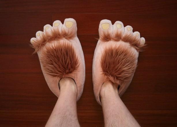 Hobbit-Slippers-634x458