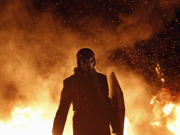 15-apocalyptic-pictures-from-the-protests-in-ukraine
