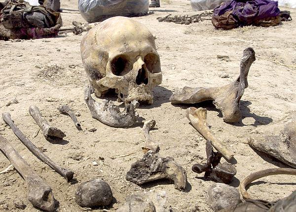 Iraqi_mass_grave