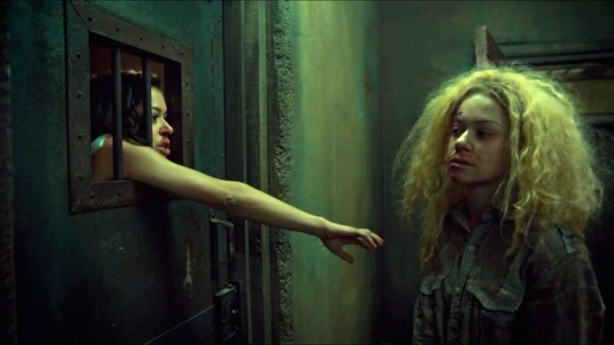Sarah-and-Helena-in-Orphan-Black-3x05.jpg