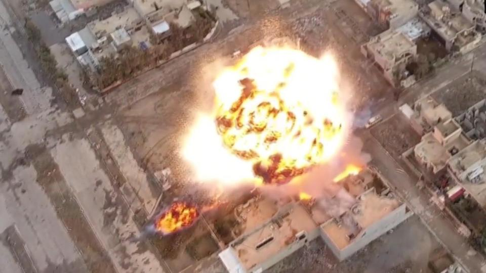 isis-drone-video-of-a-series-of-car-bomb-explosions-in-mosul-iraq0a-00_03_04_10-still087