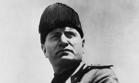 Benito-Mussolini-in-Dress-002.jpg