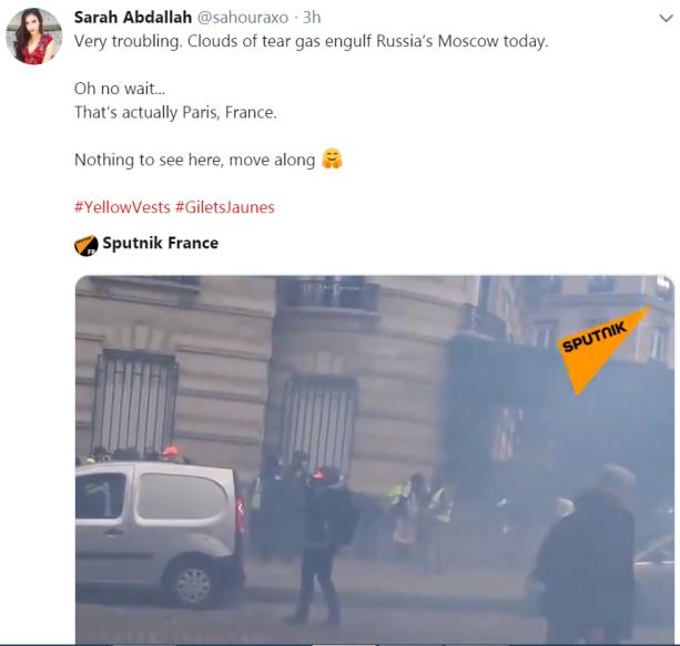 sarah-a-paris-tear-gas