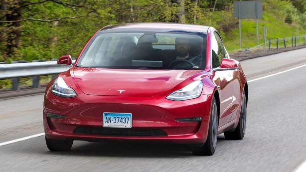 CR-Cars-InlineHero-Tesla-Navigate-Autopilot-f-5-19.jpg