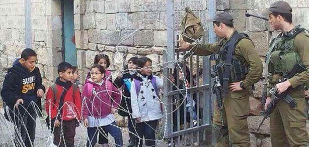 palestine-school-children-cross-israeli-checkpoint
