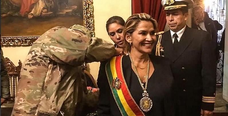 Anez-Receives-Presidential-Sash.jpg